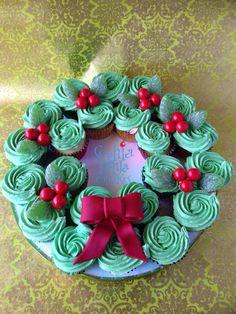 Christmas Wreath Cupcakes | by Sophia Mya Cupcakes