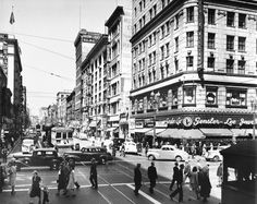 Photo of the 400 block of Broadway Street in downtown Los Angeles    USC Digital Library