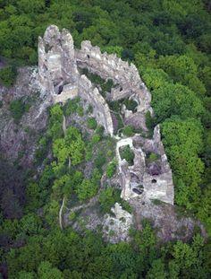 Šášov Castle ruins. Slovakia. The ruins around the Tower.