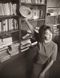 Un'immagine divertente della giovane Oriana - Foto - Oriana Fallaci