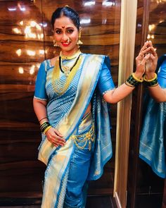 Marathi Nath, India Beauty, Saree Blouse, Indian Dresses, Desi, Curves, Backless, Actresses, Lady