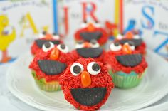http://www.simplysara.ca/2010/06/elmo-cupcakes.html