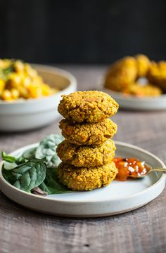 These savory, vegan and gluten free curried lentil vegetable cakes are a perfect…