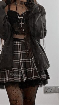 Indie Outfits, Edgy Outfits, Teen Fashion Outfits, Retro Outfits, Grunge Outfits, Cute Casual Outfits, Pastel Goth Outfits, Mode Emo, Egirl Fashion