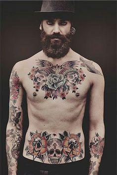 33 Tatouages avec des chiffres romain - 2 https://tattoo.egrafla.fr/2015/09/23/tatouage-homme-pectoraux/