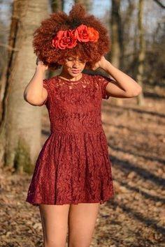 coloration rouge et couleur de fleur sur cheveux crpus afro naturels - Entretien Coloration Rouge
