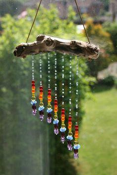 Tinker sun catcher - made of driftwood and glass rainbow beads - DIY garden . - Tinker sun catcher – made of driftwood and glass rainbow beads – DIY garden idea *** DIY Driftw - Nature Crafts, Fun Crafts, Diy And Crafts, Arts And Crafts, Decor Crafts, Yard Art, Carillons Diy, Easy Diy, Deco Nature