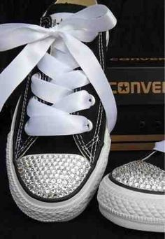 Schuhe Damen Sportlich - Customised Classic Black Converse with Swarovski  Crystals from Added-Sparkles d052707ad24e