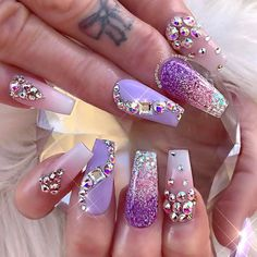 The Most Fashionable and Beautiful Purple Nail Art Designs 2018 Fabulous Nails, Gorgeous Nails, Pretty Nails, Rhinestone Nails, Bling Nails, Bling Nail Art, Bling Bling, Pretty Nail Designs, Nail Art Designs