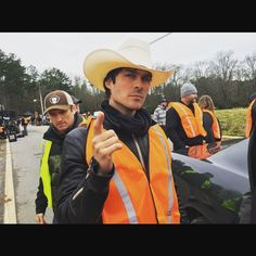 Ian Somerhalder - 28/03/16 - Directing... I loved it. 4 DAYS UNTIL THE EPISODE I DIRECTED OF THE VAMPIRE DIARIES #TVDFRIDAYs April 1st! If you watch with me they MAY let me direct another;) https://www.instagram.com/p/BDgGeFvKJ_p/ - Twitter / Instagram Pictures