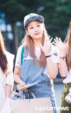 Lovelyz YeIn Yein Lovelyz, Female Singers, Sweet Girls, Kpop Girls, Girl Group, Asian Girl, Korean, Girly, Actresses