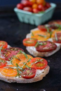 Heirloom Tomato Tartine | thecornerkitchenblog.com