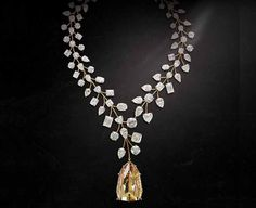 Image from http://cdn.richestlifestyle.com/wp-content/uploads/2015/03/LIncomparable-Diamond-Necklace.jpg.
