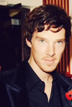 Oh my God .. he's got the scruffley beard .. kill me now so I can die happy. And so he can deduce my body.