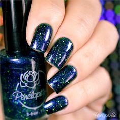 Esmalte Penélope Luz Oasis Coleção Delirium. Blue. Azul. Glamour. Nails. Nail art. Unhas com glitter. Indie.