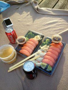 Immagine di sushi and food Think Food, I Love Food, Good Food, Yummy Food, Tasty, Food N, Food And Drink, Comida Picnic, Asian Recipes