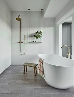 The bathroom is an essential part of the house, where it is good to take care of yourself and relax to fill with serenity. Discover our instructions for a Zen bathroom with our 8 decorating ideas: you have beautiful hours… Continue Reading → Zen Bathroom, Bathroom Renos, Bathroom Interior, Bathroom Ideas, Tranquil Bathroom, Modern Bathroom, Master Bathroom, Fresh Concrete Caesarstone, Tiny Dining Rooms