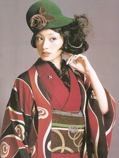 Kimono-hime issue 6. Fashion shoot page 62. Via Satomi Grim of Flickr