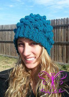 Adult Herringbone Bobble Beanie - Free Crochet Pattern by @LoopingWithLove   Featured at Looping with Love - Sponsor Spotlight Round Up via @beckastreasures   #fallintochristmas2016 #crochetcontest #spotlight #crochet #roundup