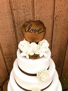 Rustic wooden wedding cake topper country weddings von MomoRadRose, $40.00