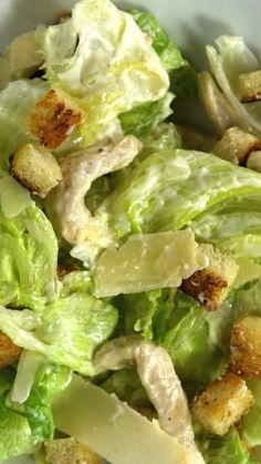 Salada Caesar Enjoying and making a good salad has its value! Healthy Dinner Recipes, Cooking Recipes, Love Food, Salad Recipes, Chicken Recipes, Meat Recipes, Free Recipes, Easy Meals, Food And Drink