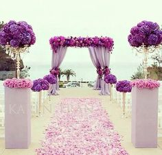 The arrangements at the beginning of the aisle can look more like this to make it smaller.