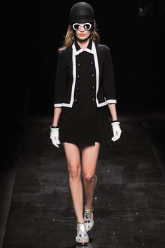 SPRING 2013 READY-TO-WEAR  Moschino