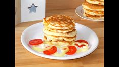Ham and cheese pancakes (Pancakes cu sunca si cascaval) Cheese Pancakes, Savory Pancakes, Breakfast Pancakes, Breakfast Time, Breakfast Recipes, Semolina Pudding, Banana Oatmeal Muffins, Ham And Cheese, Afternoon Snacks