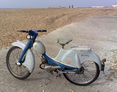 Scooters, Classic Bikes, Classic Motorcycle, Moped Scooter, 50cc, Models, Toys For Boys, Picture Photo, Motorbikes