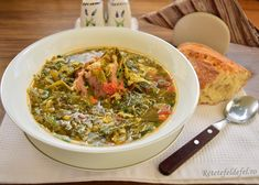 Ciorbă din verdețuri cu afumătură și franjuri de ou - Rețete Fel de Fel Stevia, Palak Paneer, Curry, Ethnic Recipes, Green, Pork, Curries