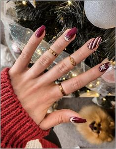 50 stylish christmas nail colors and how to do them 11 | fashionspecialday.com