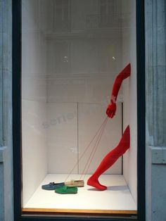 Five Creative Store Displays Using Mannequin Legs to Sell Clothes & Shoes - Merchandising - Ideas of Merchandising - Hermésyou can go your own waygo your own wayyou can call it another lonely dayyou can go your own way. pinned by Ton van der Veer Window Display Design, Store Window Displays, Shoe Display, Visual Display, Retail Displays, Fashion Store Display, Display Windows, Fashion Stores, Display Ideas