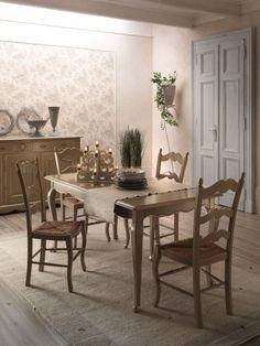 Perfetto #tavolo rettangolare stile #provenzale per arredare la tua casa con mobili decapati francesi. Romantica e d'effetto la nuance grigio e bianco.