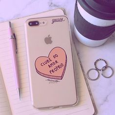 Cell Phone Covers, Iphone Case Covers, Friends Phone Case, Phone Mockup, Tumblr, Apple, Random Stuff, Wallpaper S, Bedroom