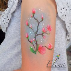 73 отметок «Нравится», 13 комментариев — Elena face art איפור אומנותי (@elena_face_art) в Instagram: «#faceart #faceartist #איפוראומנותי #ציוריפנים #יומולדת #יומהולדת #חגיגה #אירועים #אירועחברה…» Face Art, Watercolor Tattoo, Arm, Tattoos, Artist, Painting, Instagram, Tatuajes, Arms