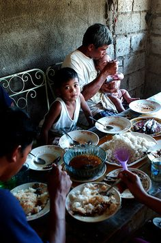 Eating, the Philippines