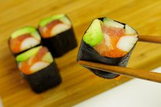 no Rice Sushi Roll with Capelin Roe, Crabmeat, Tuna and Salmon (use real crabmeat)