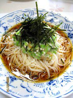 Okra Somen Noodles minus the ume and garlic Curry Recipes, Asian Recipes, Soup Recipes, Vegetarian Recipes, Cooking Recipes, Ethnic Recipes, Okra, Somen Noodle Recipe, Ono Kine Recipes