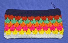 Vt. Cartuchera tejida a crochet