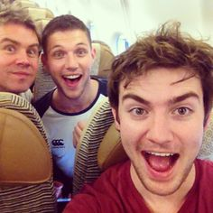 """Emmet posted """"Ready to jet off to Oz,I've got some really interesting company on this flight..See you sooooooon"""""""