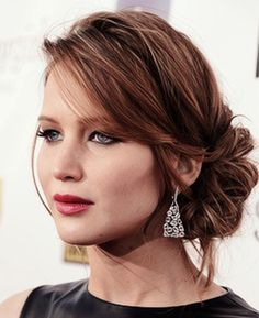 Bridal beauty: wear classically gorgeous red lips for a timeless wedding look - Wedding Party