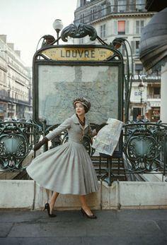Christian #Dior Robe Palais de glace collection Haute Couture printemps-été 1957, ligne Libre © Mark Shaw, Dior Glamour, Rizzoli New York 2013