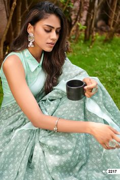 Surat Textile Hub Lt Sarees presents belliza traditional wear printed sarees collection at wholesale Soft Silk Sarees, Cotton Saree, Saris, Saree Floral, Silk Saree Blouse Designs, Blouse Patterns, Stylish Sarees, Trendy Sarees, Simple Sarees