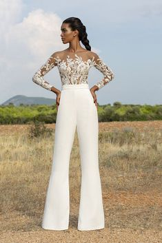 Pants Wedding Dresses (Page Does the Bride Ever Put on Pantalon? On the final level in fashionable wedding ceremony clothes, it's time to take into consideration the wedding ce. Prom Jumpsuit, Wedding Jumpsuit, Lace Jumpsuit, Dress Lace, Elegant Jumpsuit, Formal Jumpsuit, White Jumpsuit, Formal Dress, Bachelorette Outfits