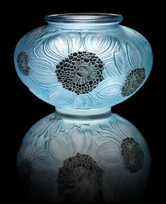 René Lalique 'Dahlias' a Vase, design 1923 frosted glass, heightened with blue staining and black enamel 12.4cm high