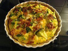 Lise på SU: Grov tærte med broccoli, bacon, mandler og parmesan (Laura Broccoli, tomat, mandler, bacon. Fyld hytteost)