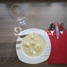 Krémová květáková polévka se smetanou recept - Vareni.cz Panna Cotta, Pudding, Ethnic Recipes, Desserts, Food, Tailgate Desserts, Dulce De Leche, Meal, Dessert