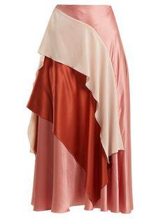 Mahria layered silk satin skirt by Roksanda Modest Fashion, Skirt Fashion, Fashion Dresses, Gothic Fashion, Fashion Details, Fashion Design, Roksanda, Satin Skirt, Mode Hijab