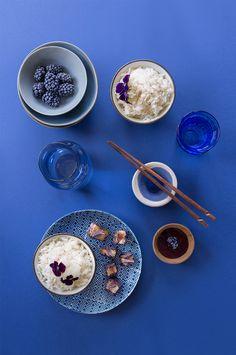 Riz Thai à la sauge, thon snacké au pavot bleu ©Fraise & Basilic