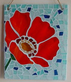 poppy mosaic Ive seen this as a stained glass panel Very nice Mosaic Garden Art, Mosaic Flower Pots, Mosaic Wall Art, Tile Art, Mosaic Glass, Glass Art, Mosaic Mirrors, Mosaic Art Projects, Mosaic Crafts